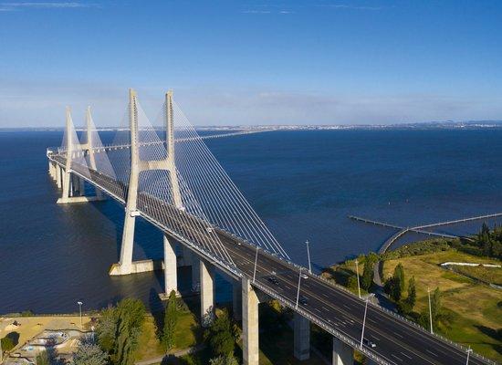 Wir bauen eine Brücke!